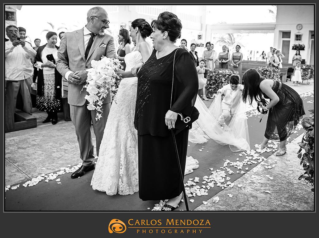 Monica y carlos casamagna marriott cancun resort for Riviera maya wedding photographer